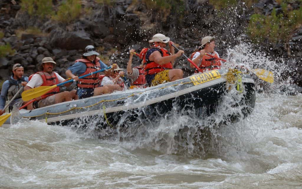 Paddle crew running through the rapids on the Grand Canyon.